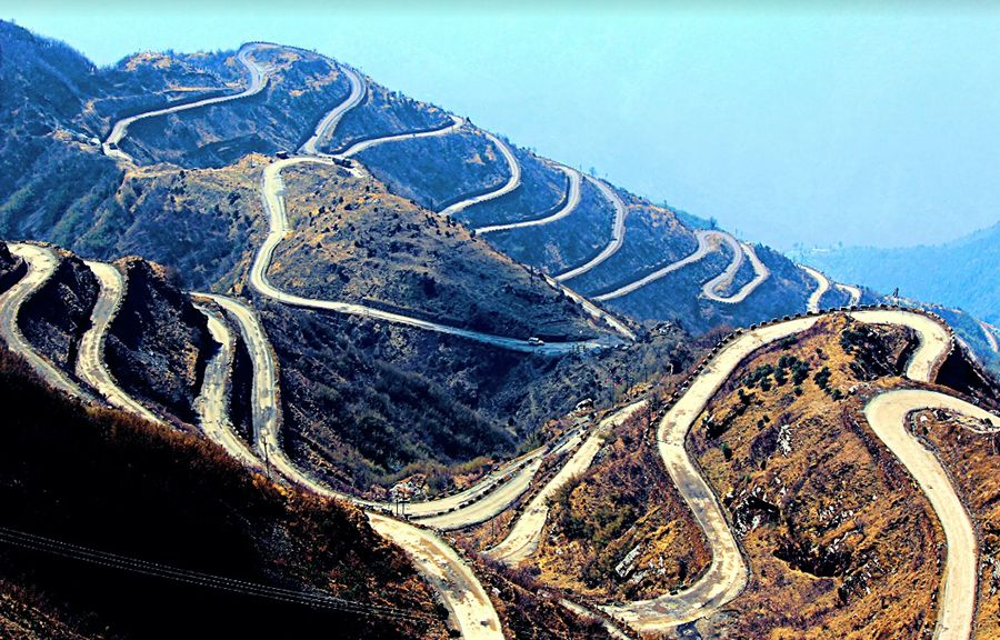 Three Level Zigzag Road, not for the fainthearted with lots of hairpin bends